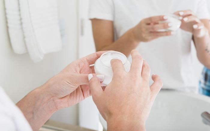 O que fazer quando o creme depilatório queima a pele